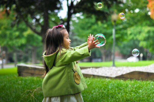 Cresterea si educarea copiilor cu iubire, cooperare si intelegere