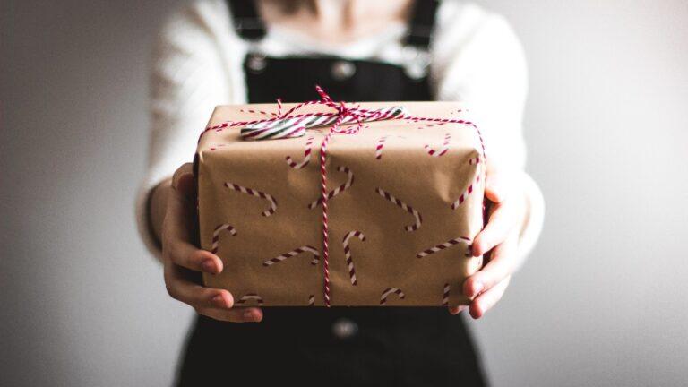 10 idei de cadouri pentru o mamica