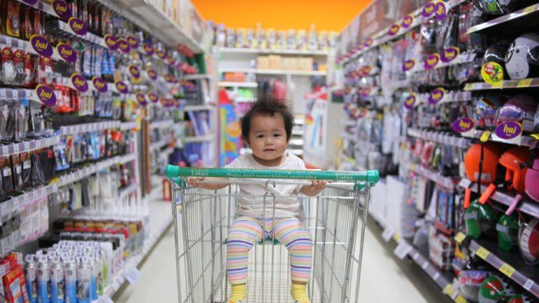Cu copilul la cumparaturi