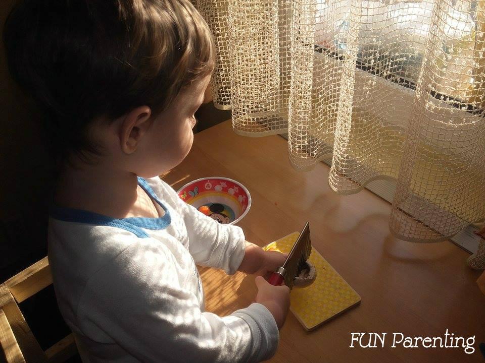 http://www.funparenting.ro/activitati-de-viata-practica-pentru-copii-de-1-3-ani/
