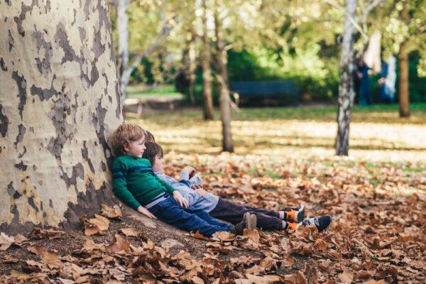 Cum ajuți copilul să își dezvolte inteligența emoțională