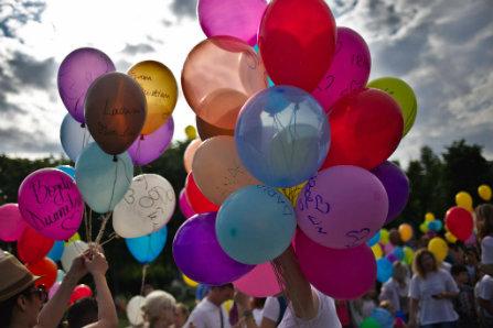 Sa priveasca medicii, baloanele trimise catre ingeri