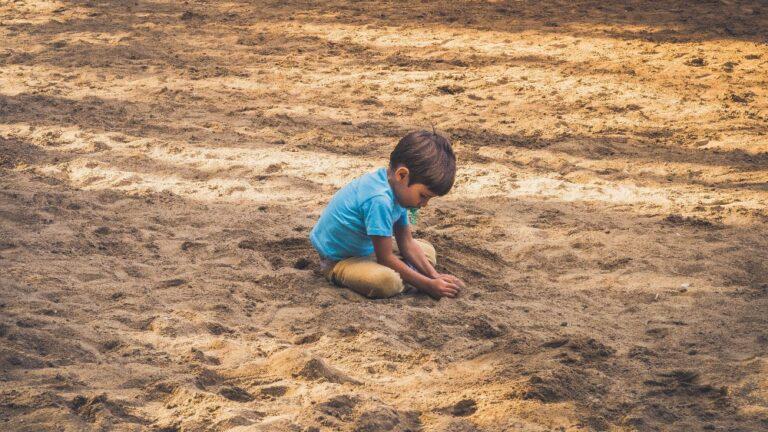 Activitati de invatare cu nisip