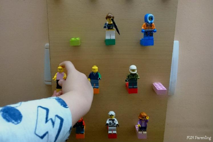 Placa pentru pasionati de figurine Lego