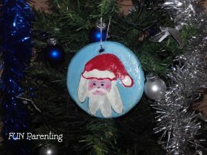 Cadouri pentru bunici – globuri homemade cu amprenta nepotului (tutorial)