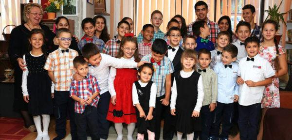 Mia's Children la Targul de Craciun