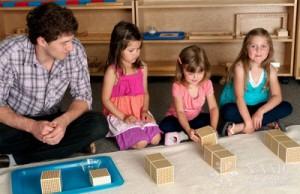 Pedagogul Montessori