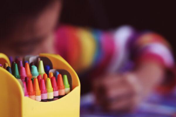 Copilul renunță ușor la activități? Cum să îl înveți să fie perseverent