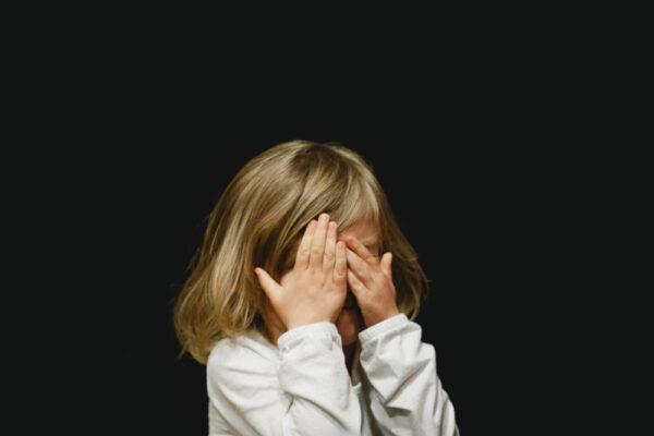 Cum să ajuți copilul când are o criză de furie
