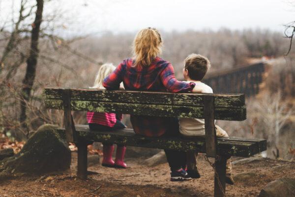 Copiii au nevoie să fim disponibili cu răbdare, blândețe și cu intenția de a privi viața din perspectiva lor