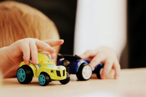 Ce putem să facem când un copil mic este lovit de alt copil